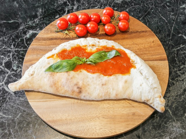 Topolino Italian Restaurant Calzone Topolino